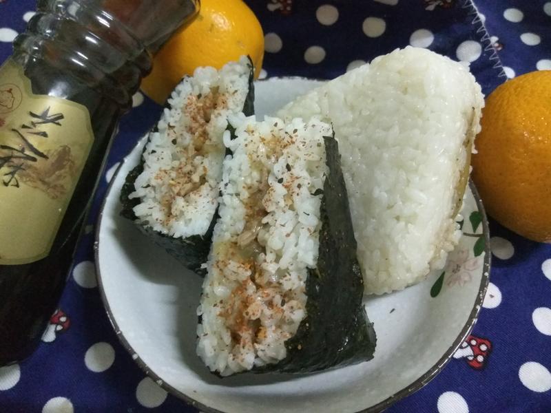 十分鐘做麻油香飯糰【福壽純芝麻油玩料理】