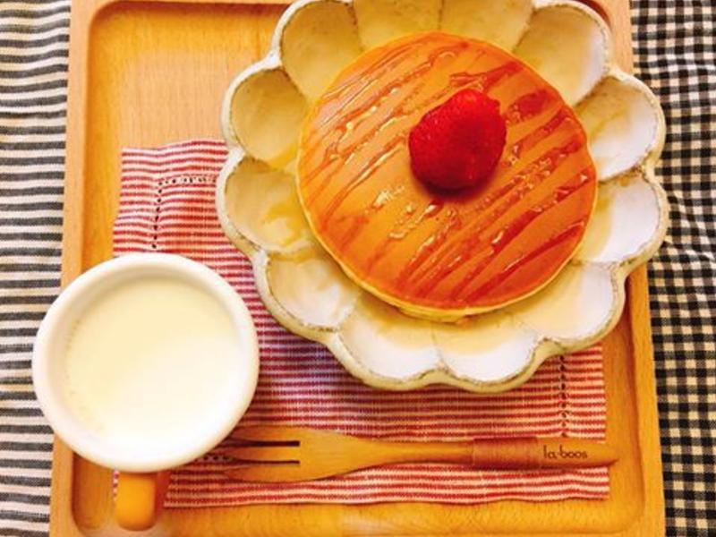 美味草莓鬆餅