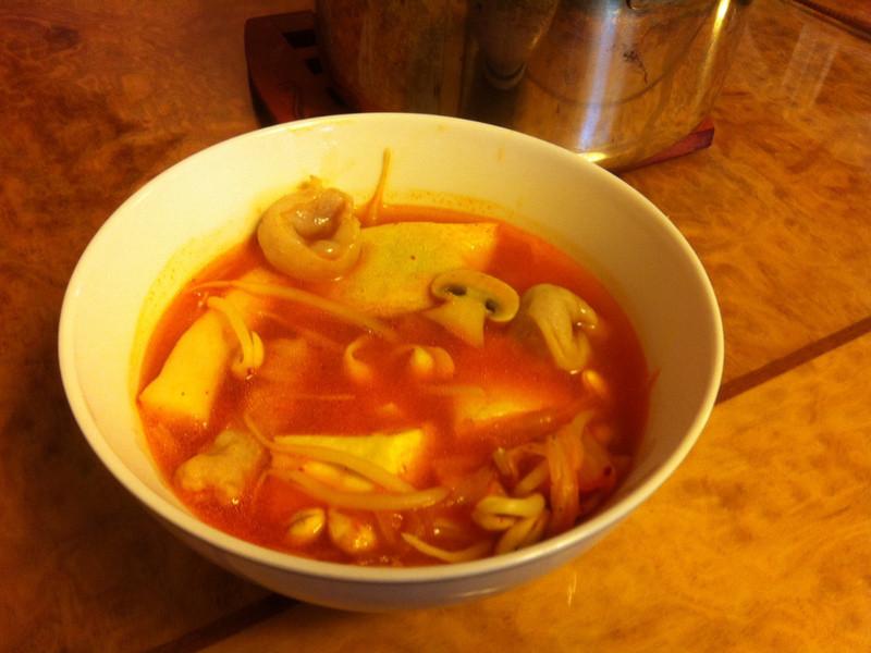 火鍋餃泡菜鍋