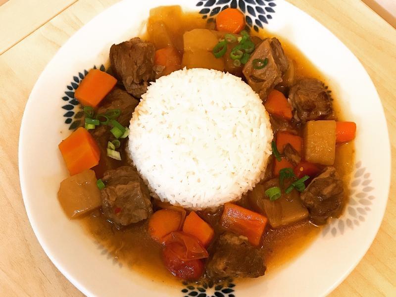 紅燒牛腩燴飯