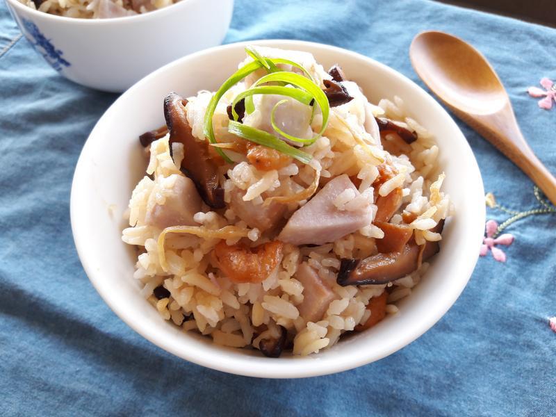 芋頭香菇麻油飯【福壽純芝麻油玩料理】