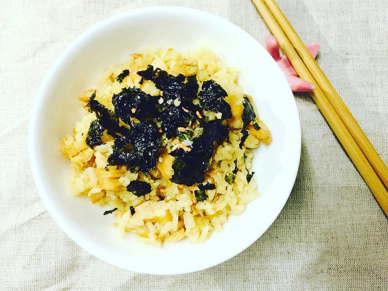 日式鮭魚炊飯【福壽純芝麻油玩料理】