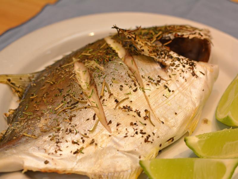 香料烤魚。簡易烤全魚做法
