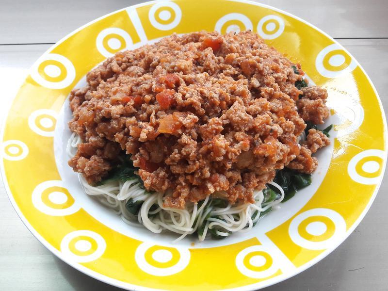 茄汁絞肉拌麵