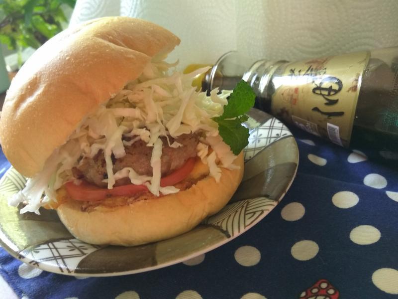 巨無霸洋葱豬肉漢堡-福壽純芝麻油玩料理