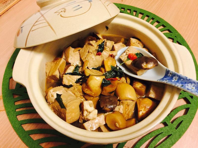 下飯菜:三杯鍋燒豆腐杏鮑菇
