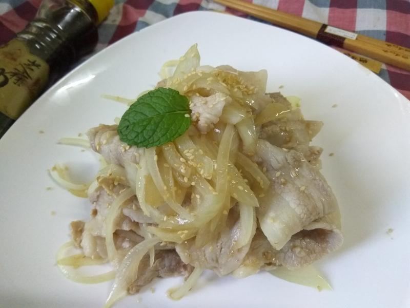 十分鐘洋葱豚肉溫沙拉-福壽純芝麻油玩料理