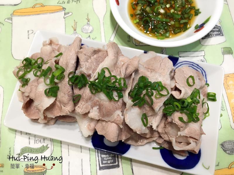 和風沾醬涮豬肉片