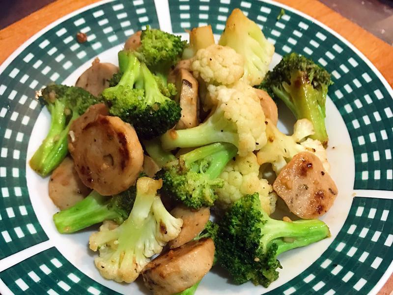 蒜炒貢丸花椰菜