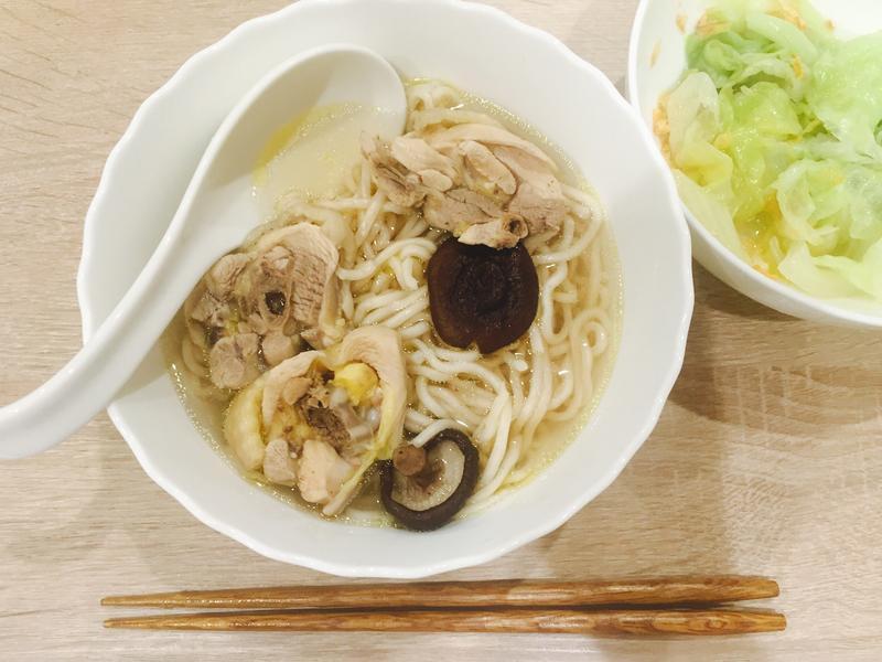零廚藝的香菇雞湯(電鍋料理)