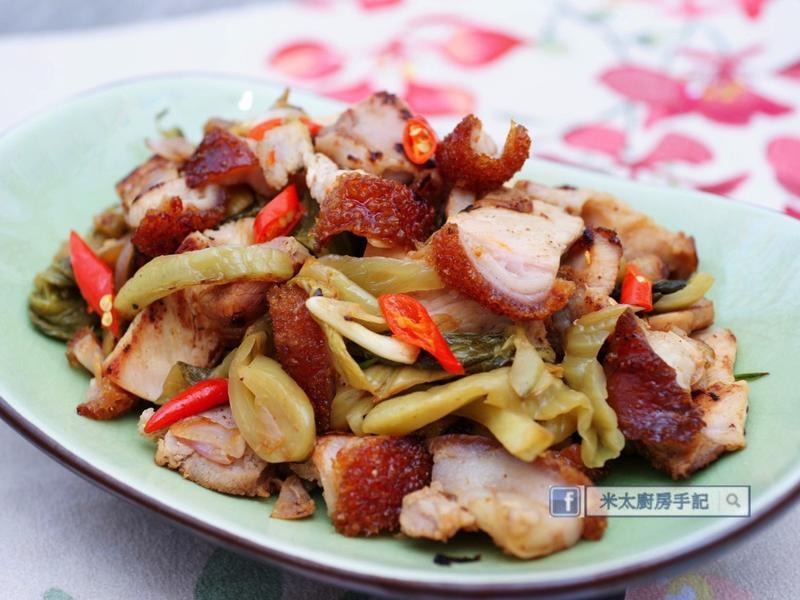 《蒜香酸菜炒燒肉》
