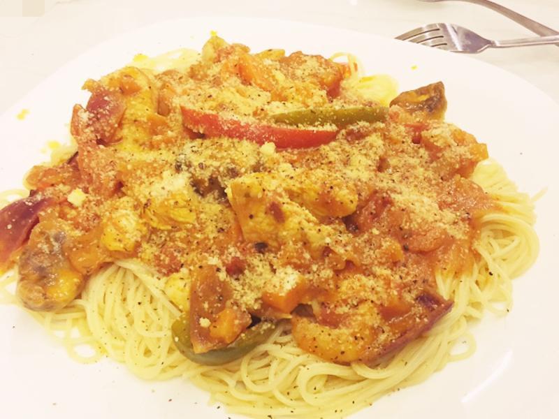番茄醬蝦仁雞肉義大利麵