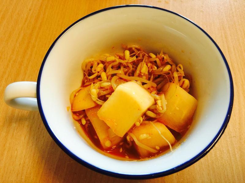 熱銷小菜:韓式白蘿蔔豆芽菜