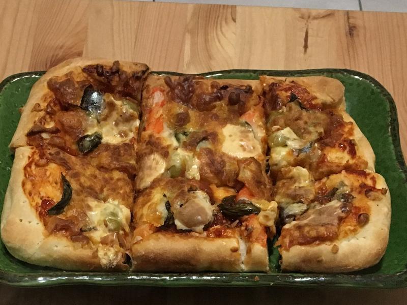 蕃茄海鮮披薩