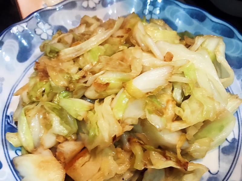麻辣魚露高麗菜