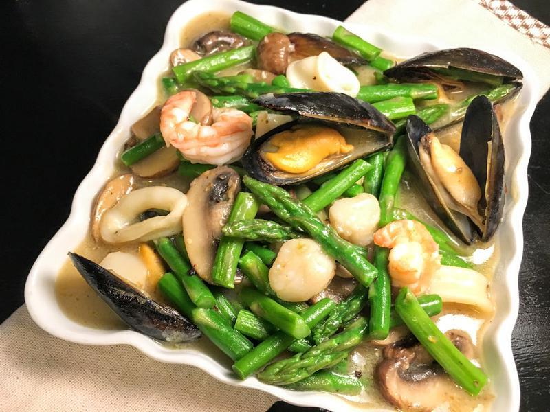 蘆筍蘑菇燴海鮮
