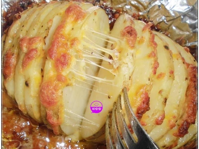 輕鬆烤手風琴乳酪絲馬鈴薯