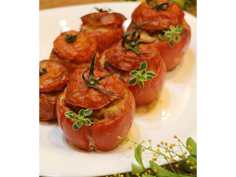 喜氣洋洋《蕃茄鑲肉盅》圓滿飽福