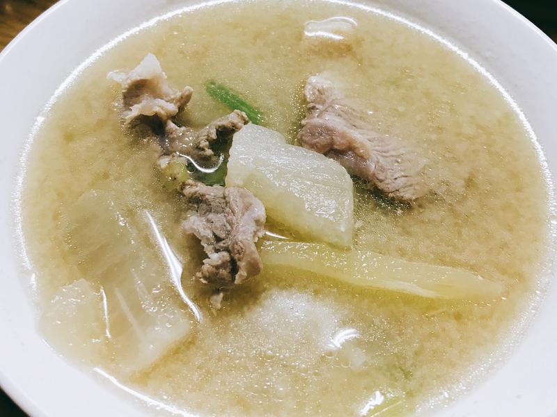 豚肉大根味噌湯
