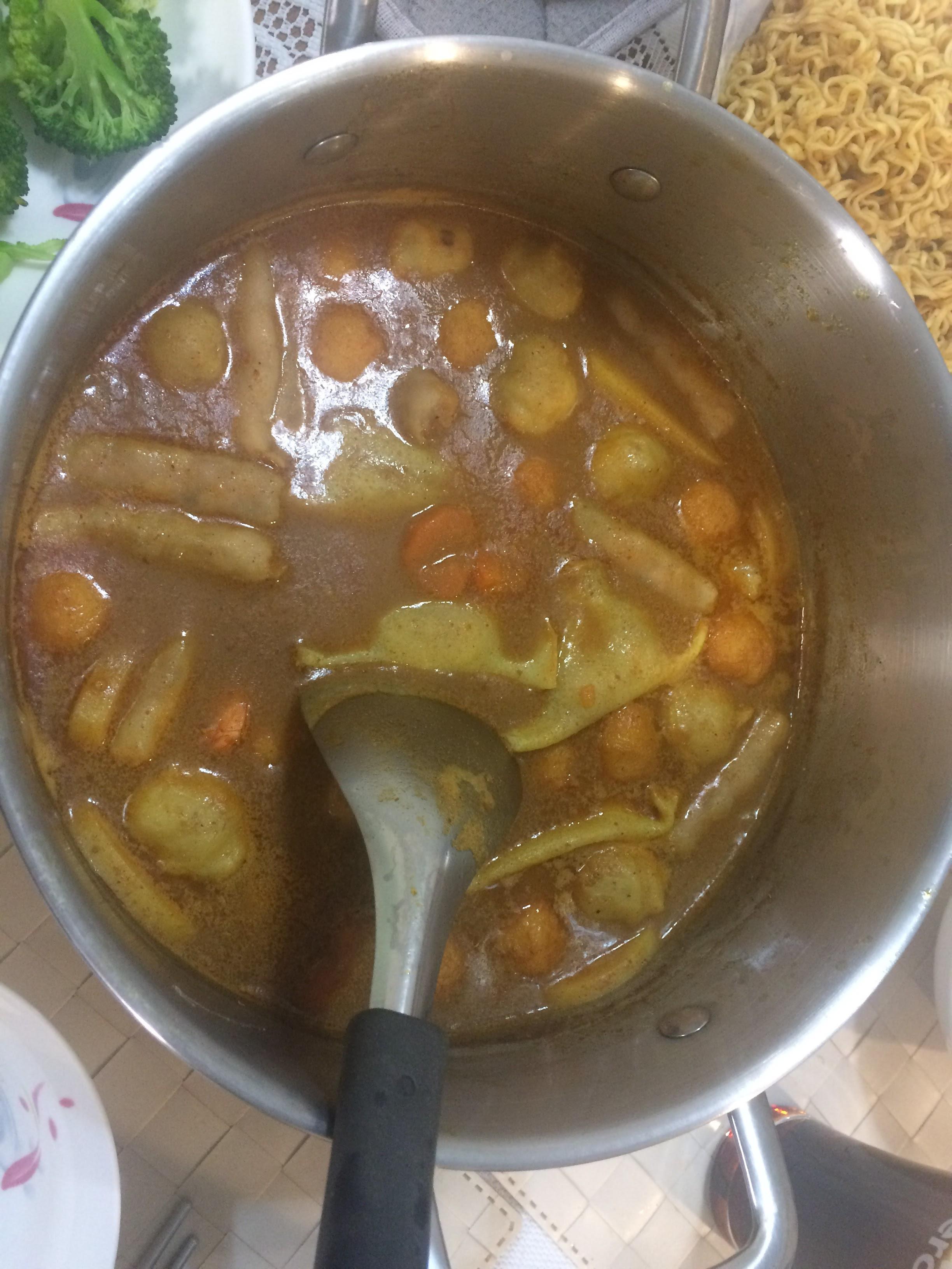 咖喱牛奶鍋(清冰箱料理)