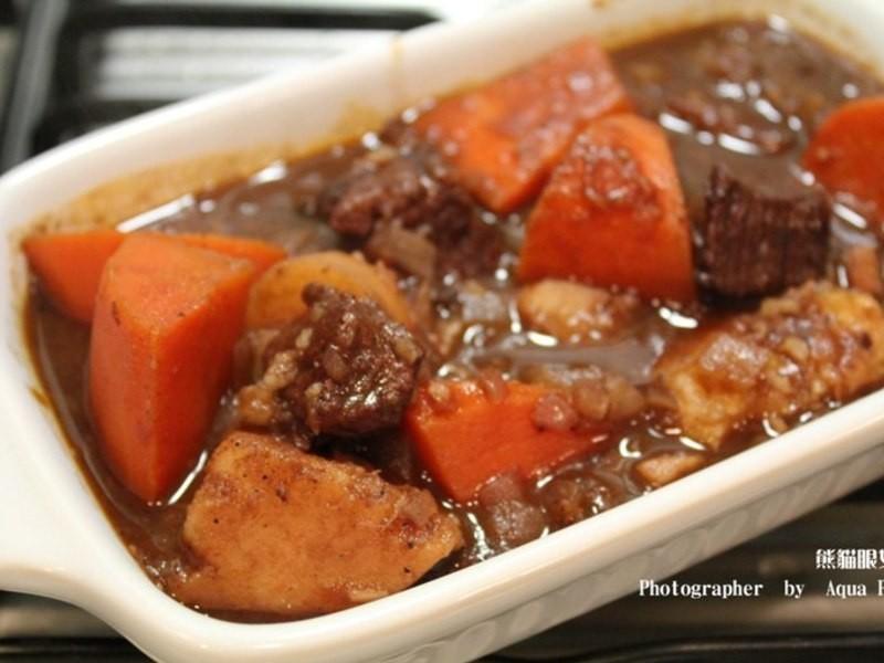 【簡單做菜】紅酒燉牛肉