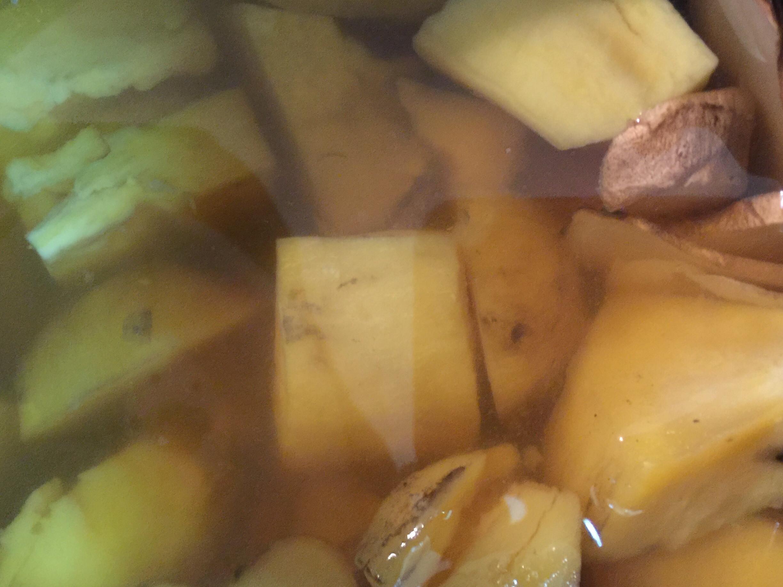 薑薑薑辣地瓜湯(電子鍋)