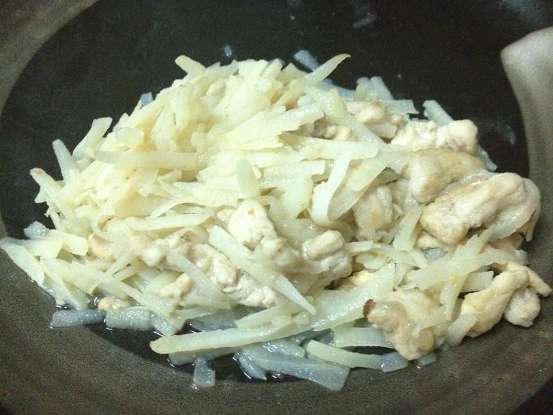MINU。馬鈴薯炒肉絲