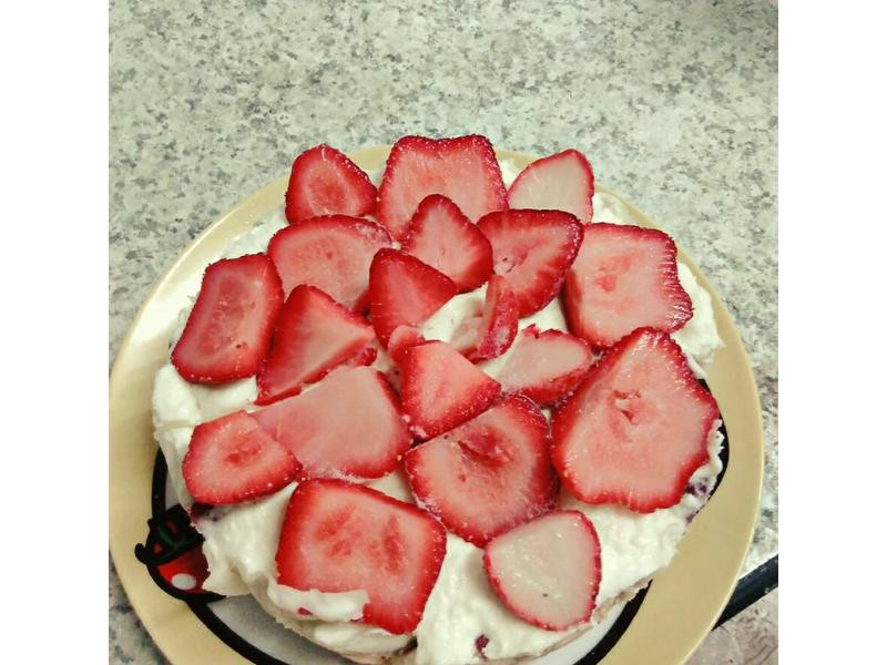 草莓牛奶塔(免烤箱)