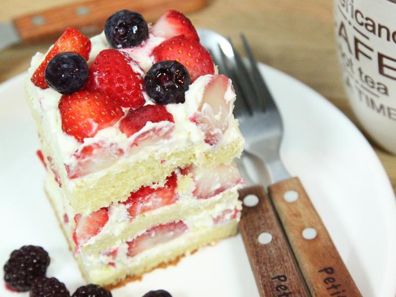 草莓海綿蛋糕