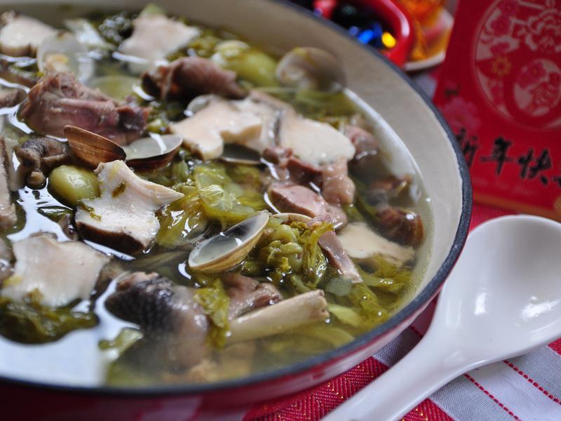 長年菜燉鮑魚雞湯