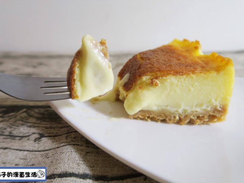 8吋半熟重乳酪蛋糕-法國鐵塔牌純馬斯卡彭