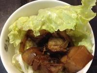 今日午餐: 滷五花肉雜糧飯