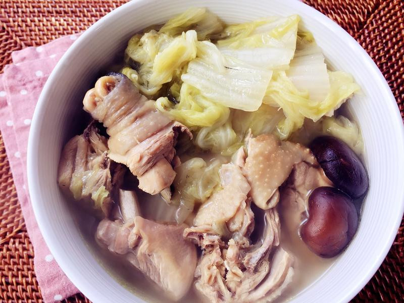 清爽白菜燉雞湯
