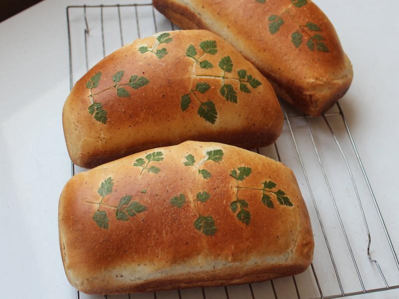貼花白麵包