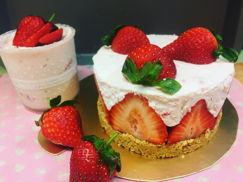 草莓生乳酪慕斯