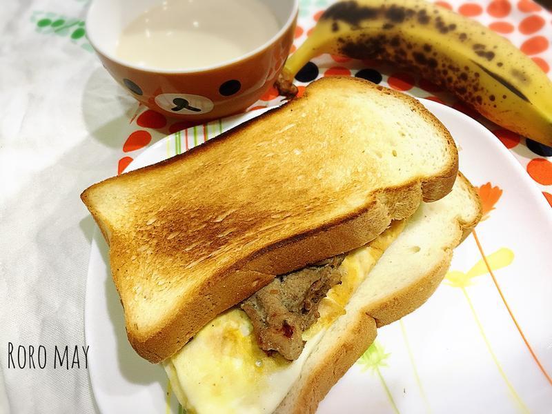 鮪魚蛋捲三明治