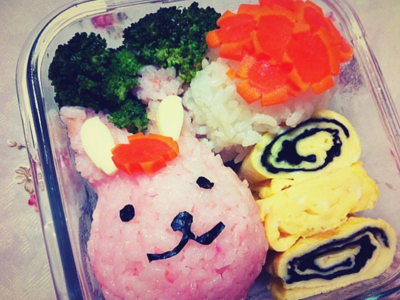 [親子食堂]凱莉貓~粉紅兔的春天便當