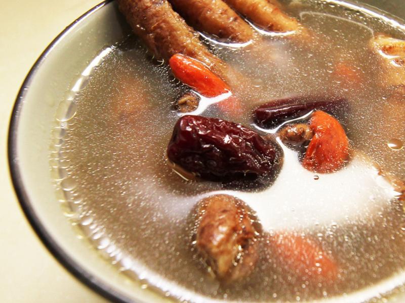【厚生廚房】紅棗紹興雞湯