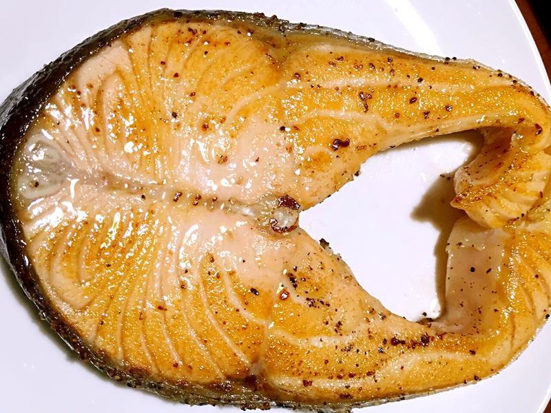 香煎嫩鮭魚·軟嫩的撇步