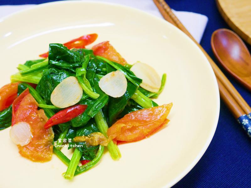 紅嘴綠鸚哥(菠菜炒蕃茄)