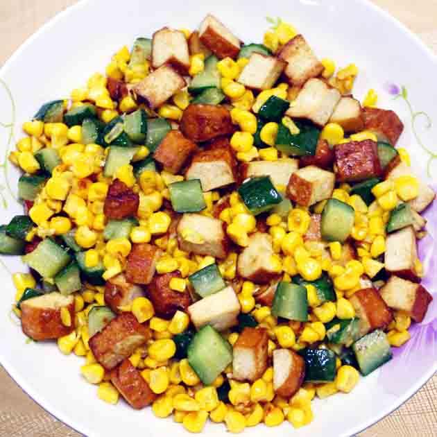 【厚生廚房】黃瓜玉米炒豆乾