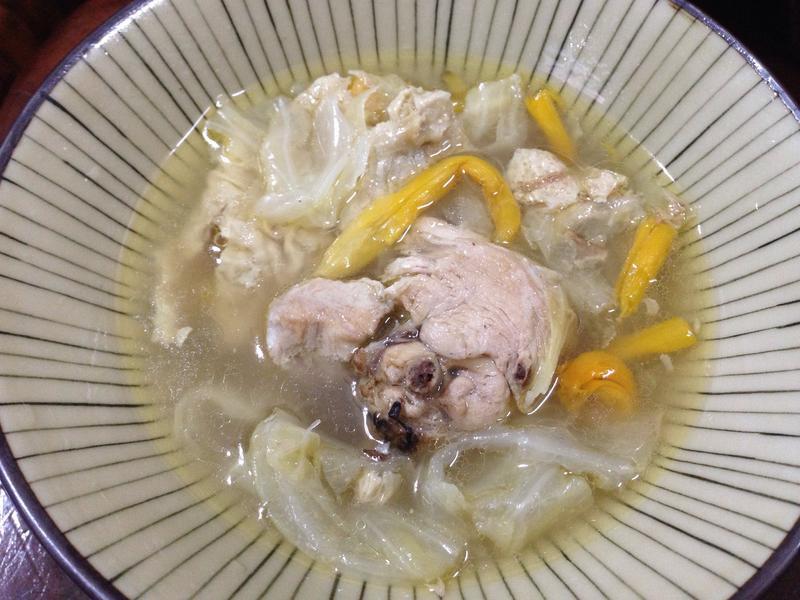 蔬菜豆皮雞湯