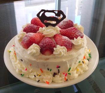草莓生日蛋糕🍰(和杯子蛋糕一起完成)
