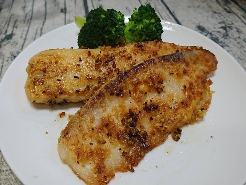 【奶油蒜香鯛魚排】在家享受鐵板燒香煎魚排