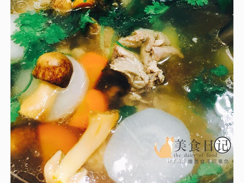 巴西蘑菇排骨湯/麵