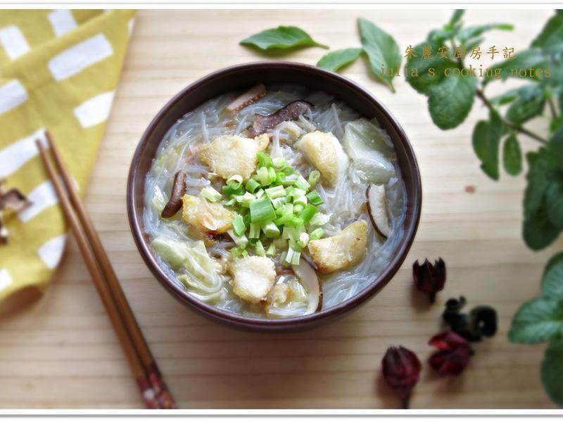[台灣味草魚米粉湯]配料豐富鮮味十足
