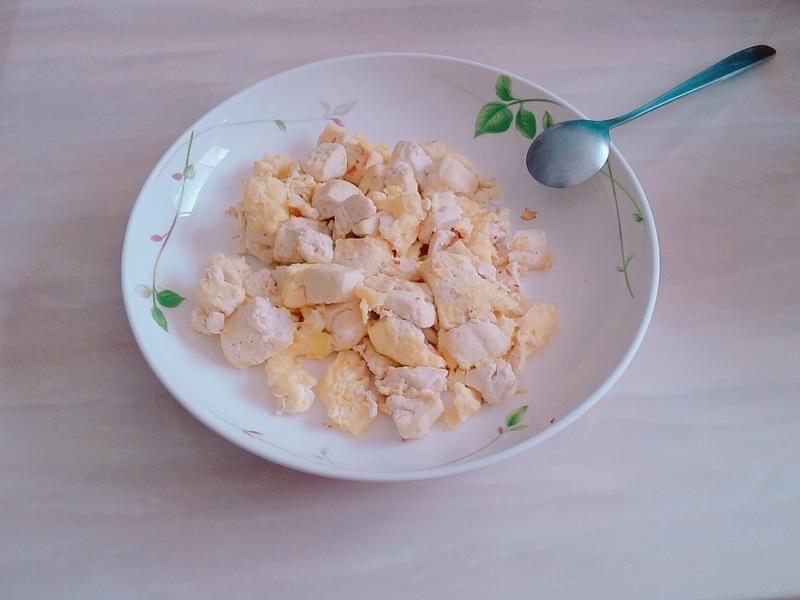 新手也可以的~豆腐炒蛋