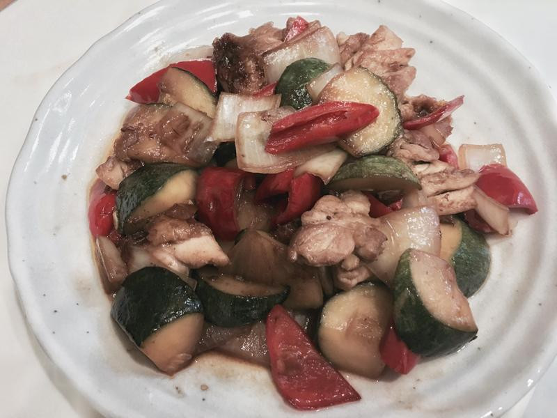 雞肉黑醋醬燴蔬菜