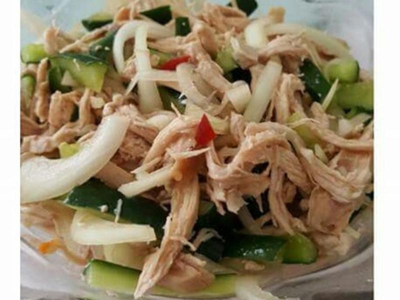 泰式涼拌手撕雞