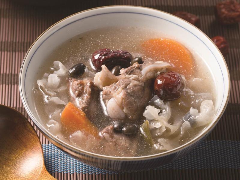 【摩堤 鑄鐵鍋料理】五色小排湯